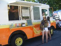 The Peoria City Council is drafting an ordinance that aims to regulate downtown food trucks.