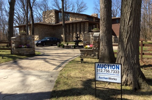 Auctions bid for luxury real estate market