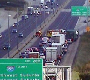 Congestion along Interstate 55 at Interstate 355 in the south suburbs. (Photo courtesy IDOT)