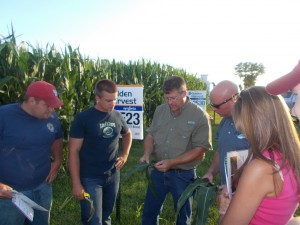 Tazewell County Young Leaders learn about new technologies involved in seed selection, new pesticide and fertilization practices during a crop scouting school. (Photo courtesy Tazewell County Young Leaders)