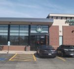 Armed man robs Starbucks in Oswego