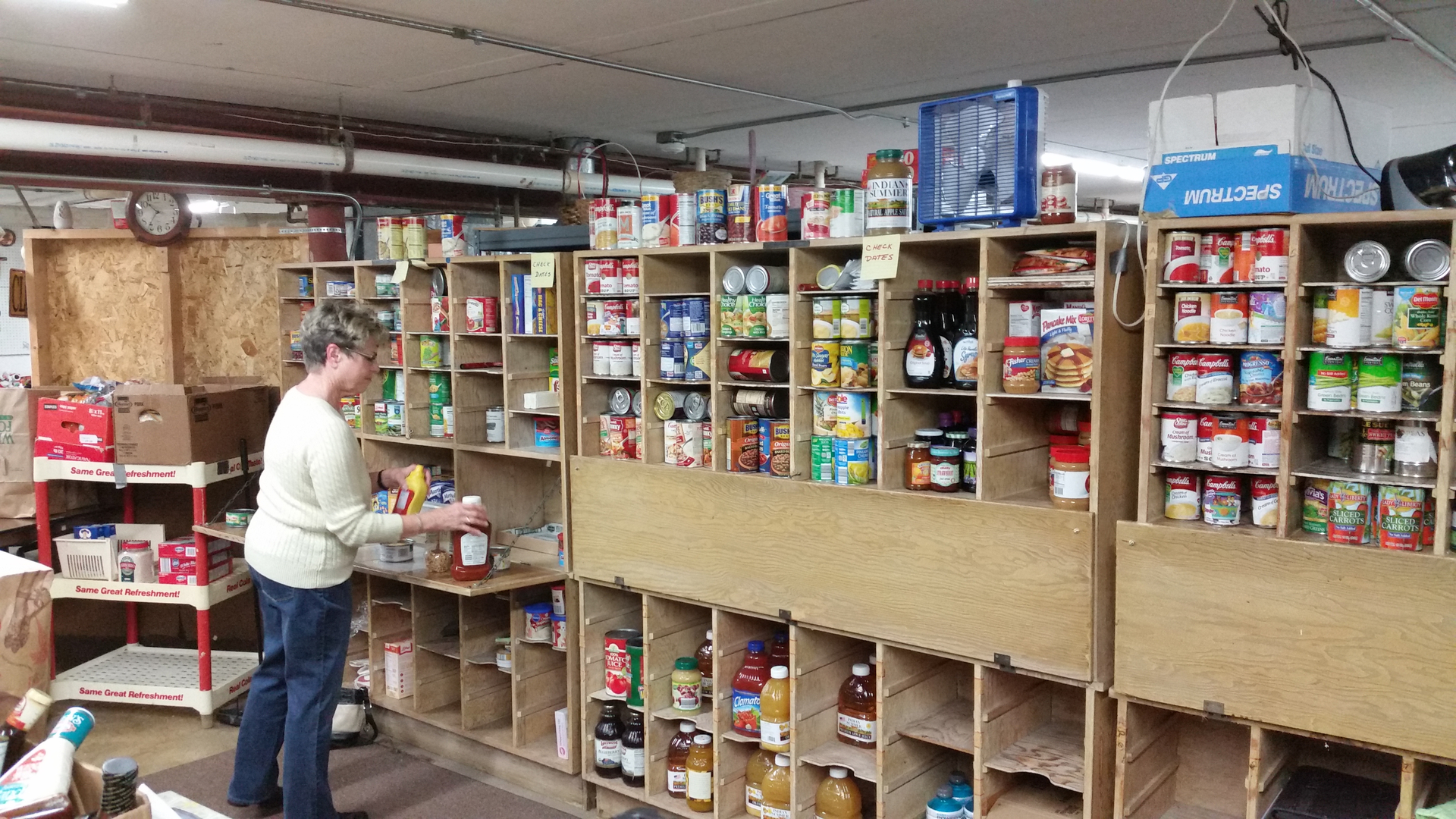 Dupage county news briefs chronicle media for Woodridge food pantry il