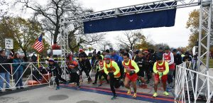 And they're off: The start of the Lincolnwood Turkey Trot 2016.(Photo by Karie Angell Luc/for Chronicle Media)