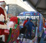 CTA holiday train offers 'bit of happiness'  in December cold
