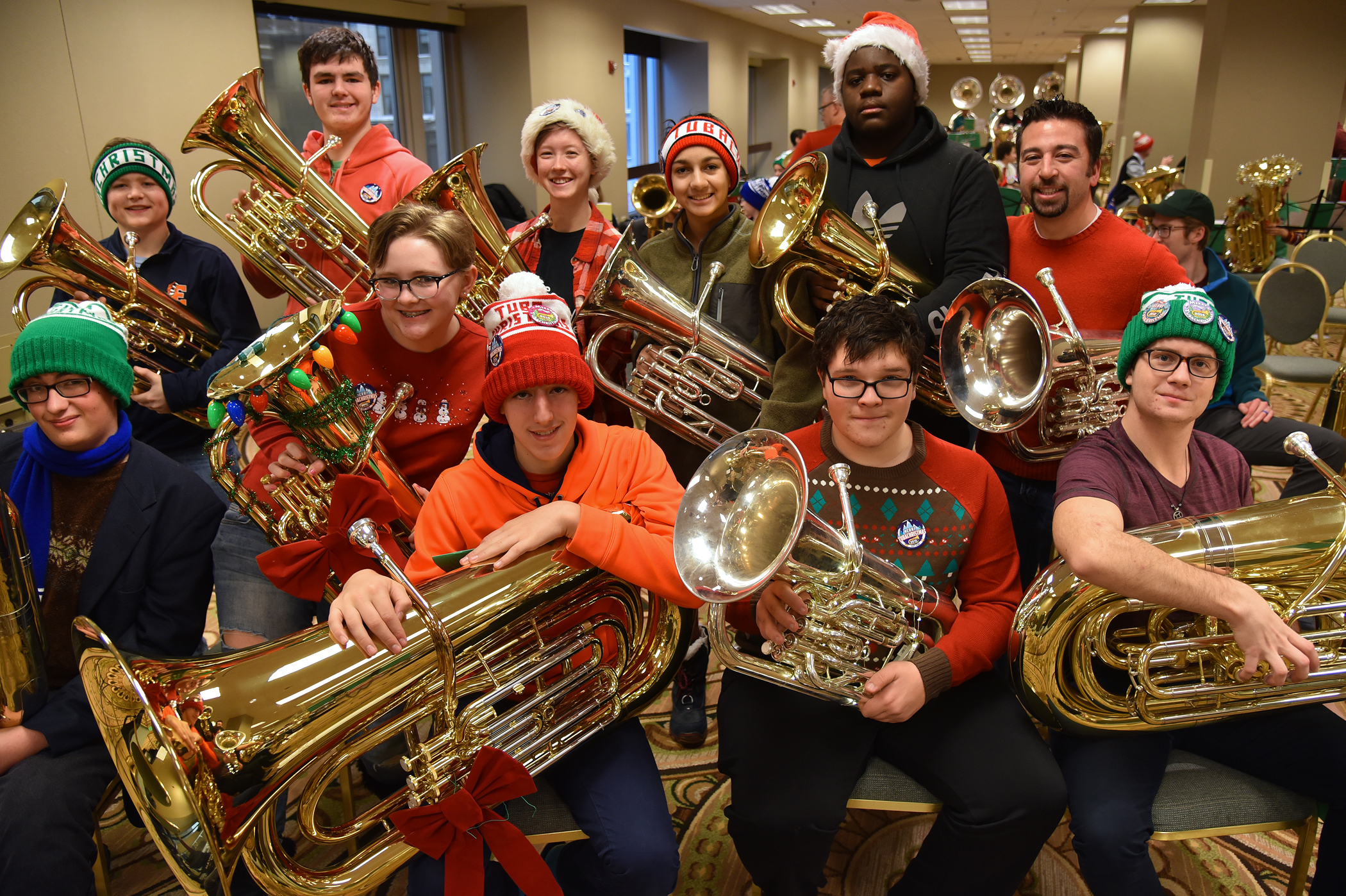 Musicians carry on a very tuba Christmas tradition   Chronicle Media