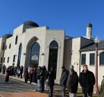 'Human chain' of supporters surrounds Bridgeview Mosque