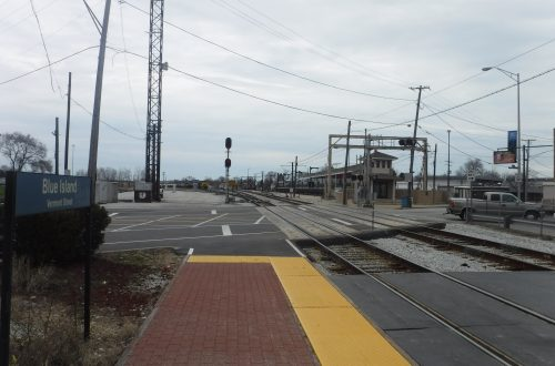 Making connections along suburban Metra lines