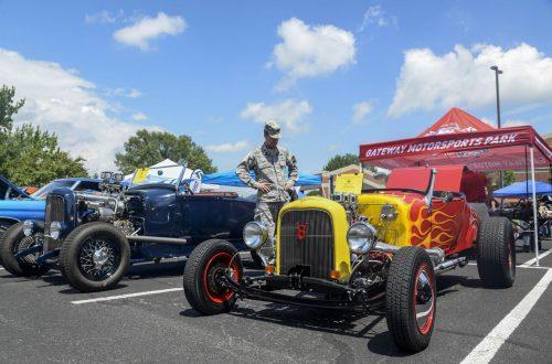 Classic cars draw big crowd to Scott Air Base