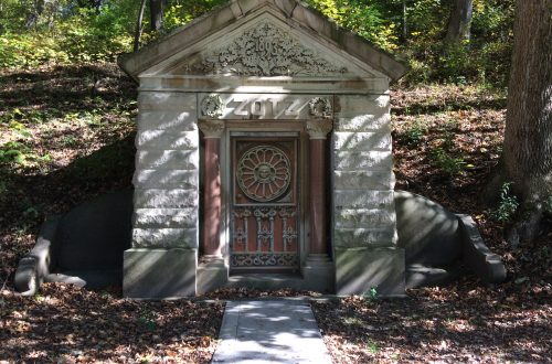 Peoria area Springdale Cemetery holds stories about community's history