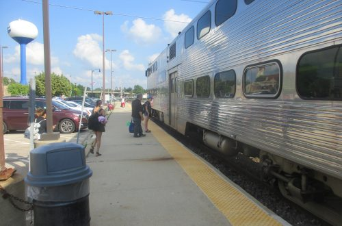 Metra fare pilot lowers ticket prices for less-used, most-expensive stations