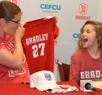 Bradley volleyball team embraces Pekin youth facing life-threatening illness