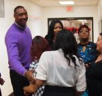 Former NBA player brings tech lessons to Chicago area kids
