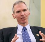 Lipinski not backing Pelosi for speaker just yet