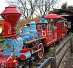 Train runs on holiday spirit at Blackberry Farm