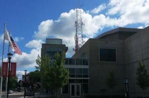 Listeners rally to save WCBU public radio station