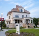 Donors help retire Barrington's White House loan a year early