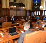 Students join Barickman in Springfield to learn how government works
