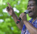 Chicago artist Mary Lane still singing the blues at 83