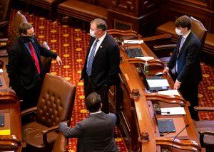 Illinois Senate OKs graduated income tax language for November ballot