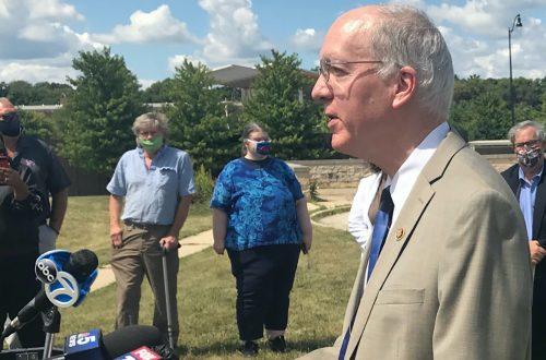 Illinois Democratic representatives vow to protect U.S. Postal Service