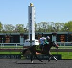 Horseracing returns to Arlington International Racecourse