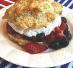CREATIVE FAMILY FUN: Strawberry shortcake for Independence Day