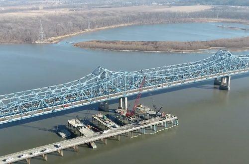 IDOT marks halfway point of $167 million McClugage Bridge project