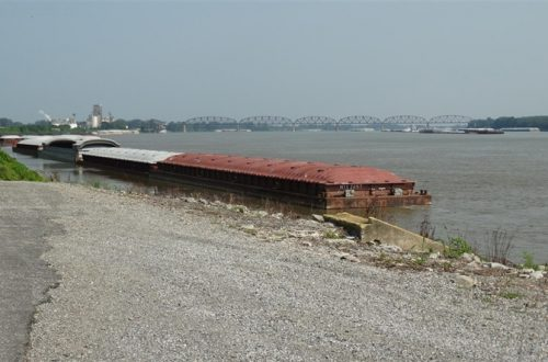 Southern Illinois town pins hopes on river port development